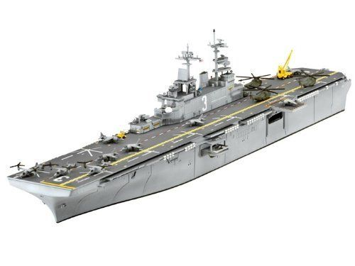 Revell 05110 Assault Carrier U.S.S. Kearsarge (LHD-3)